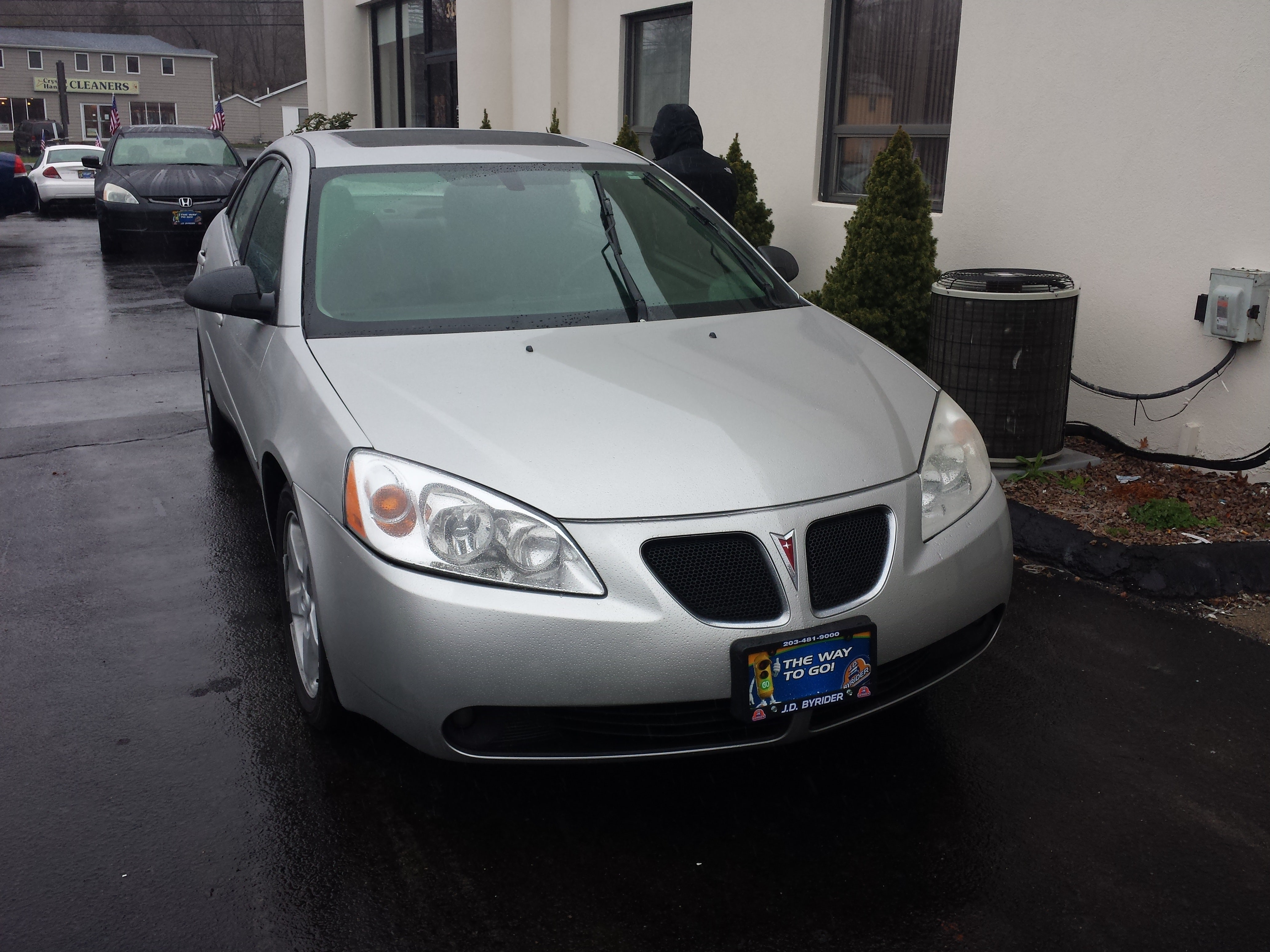 Junk 2007 Pontiac G6 in North Haven