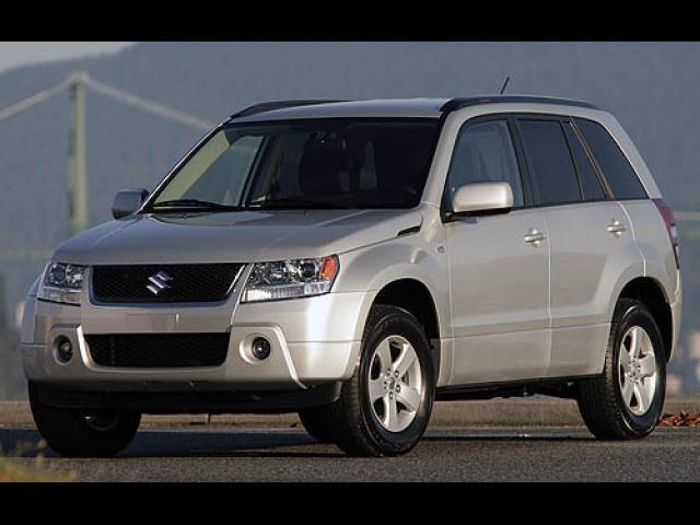 Junk 2007 Suzuki Grand Vitara in Seattle