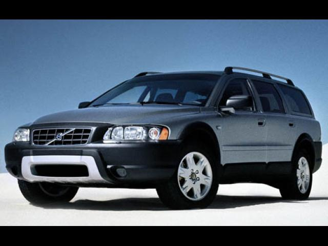 Junk 2007 Volvo XC70 in Lawrence Township
