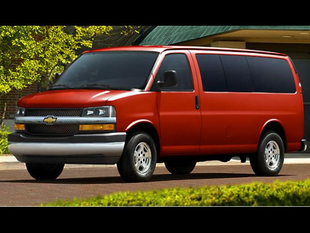 Junk 2008 Chevrolet Express G2500 in El Paso