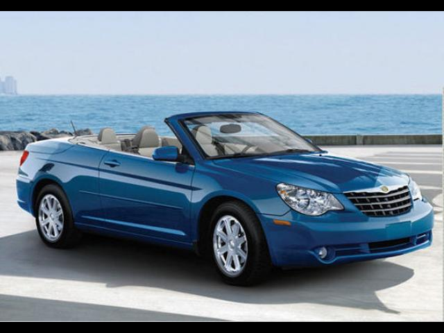 Junk 2008 Chrysler Sebring in Woodland