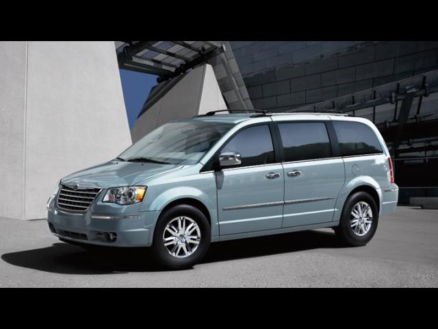 Junk 2008 Chrysler Town & Country in Indianapolis