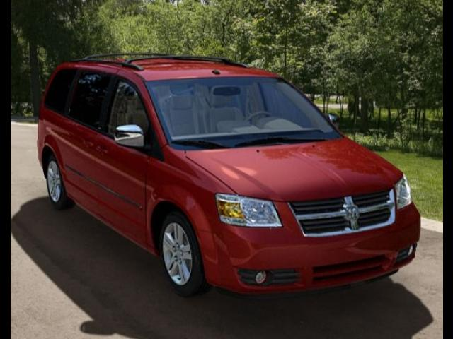 Junk 2008 Dodge Grand Caravan in Webberville