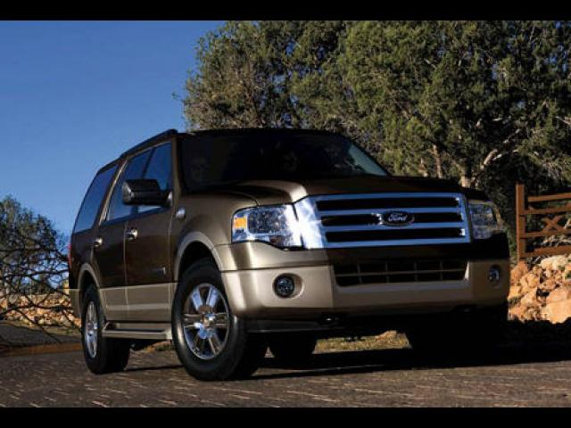 Junk 2008 Ford Expedition in Norwood
