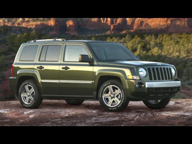 Junk 2008 Jeep Patriot in El Paso