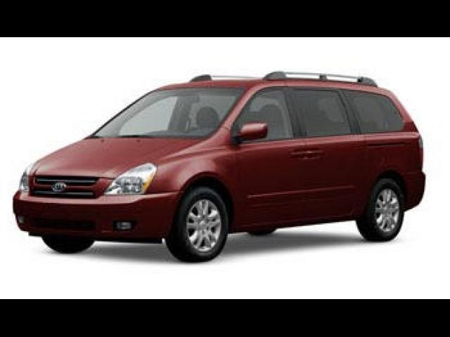 Junk 2008 Kia Sedona in Riverview