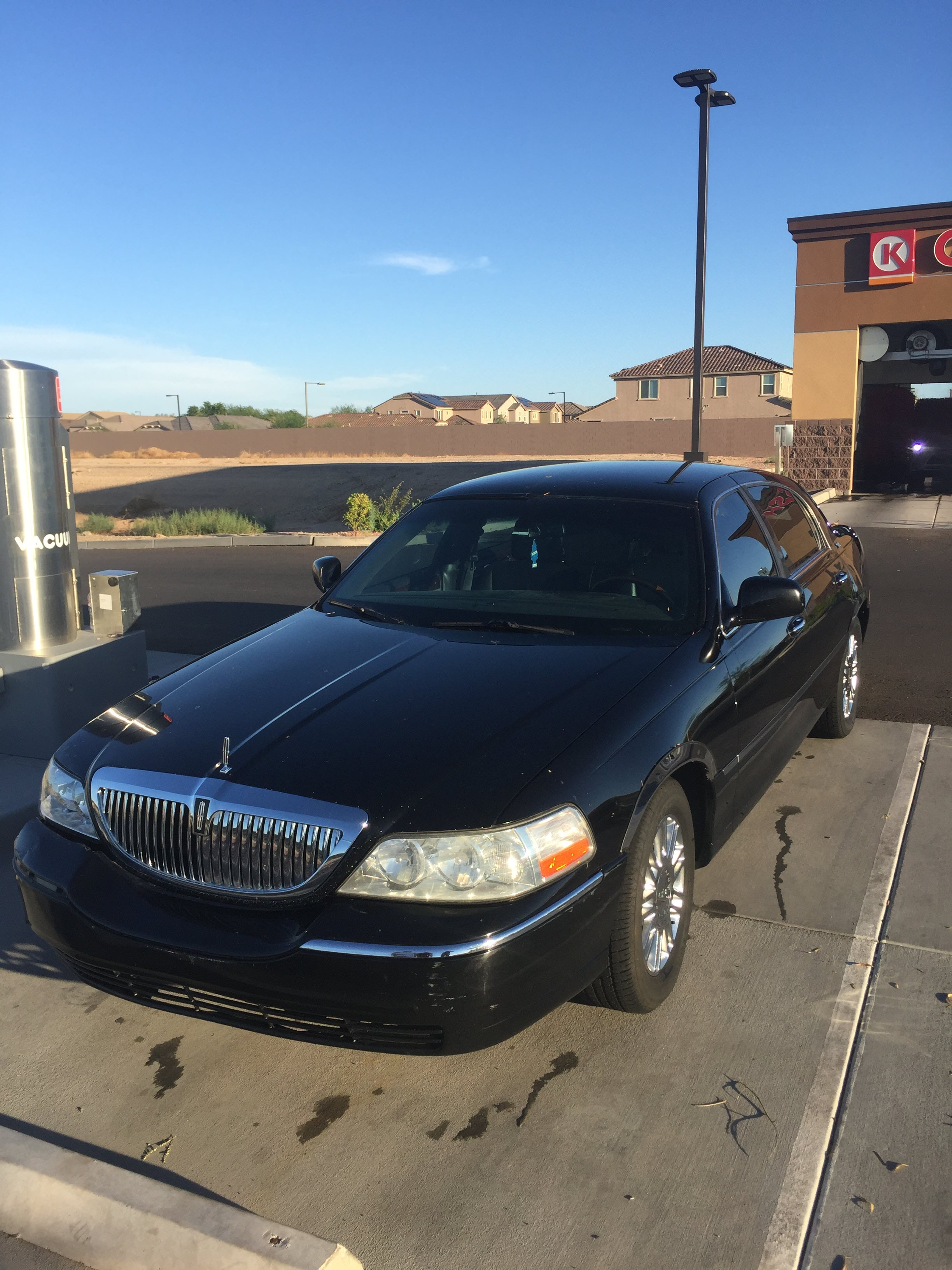 Junk 2008 Lincoln Town Car in Litchfield Park