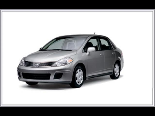Junk 2008 Nissan Versa in Pittsburg
