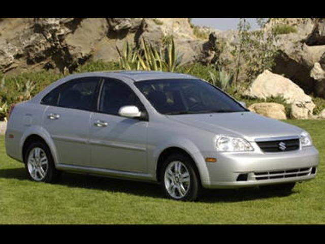 Junk 2008 Suzuki Forenza in Wilmington