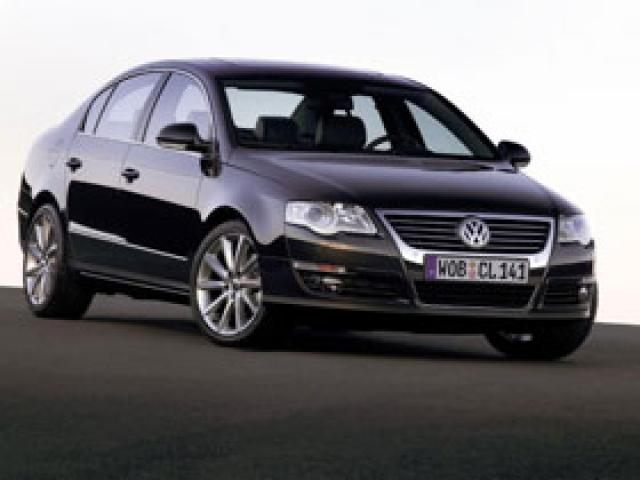 Junk 2008 Volkswagen Passat in Surprise