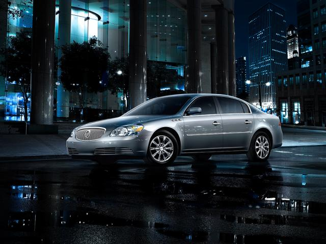 Junk 2009 Buick Lucerne in Grosse Pointe