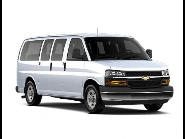 Junk 2009 Chevrolet Express G2500 in Corona