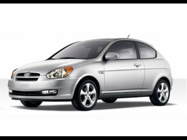 Junk 2009 Hyundai Accent in Burgettstown