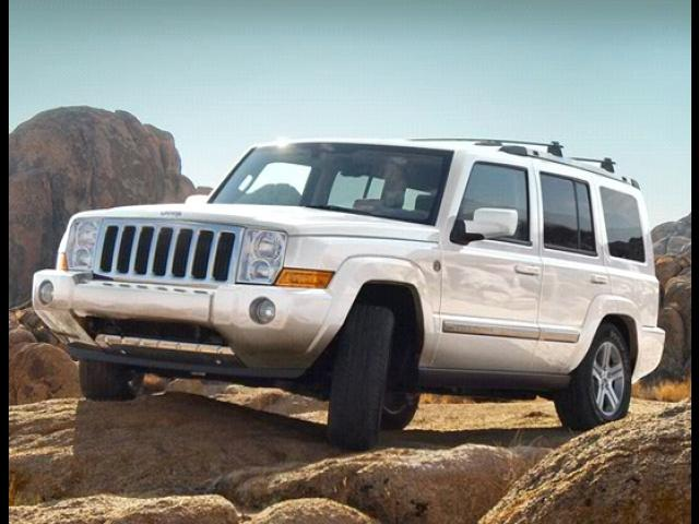Junk 2009 Jeep Commander in Waltham