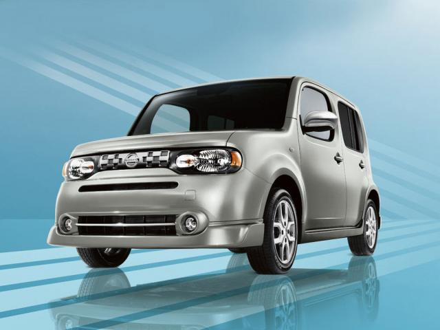 Junk 2009 Nissan Cube in Los Angeles