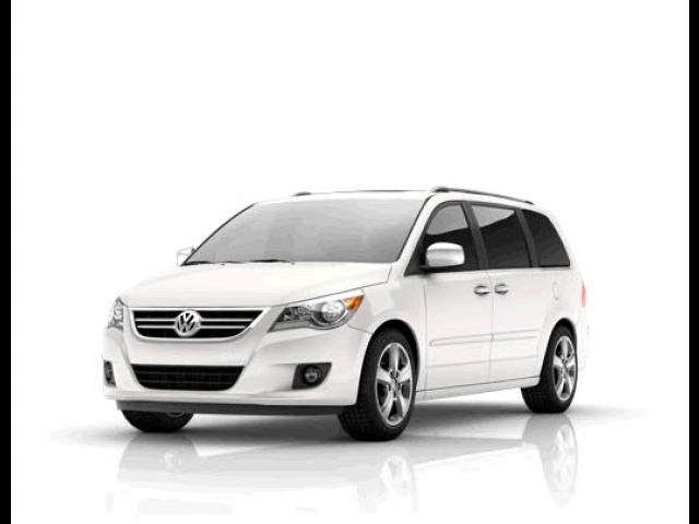 Junk 2009 Volkswagen Routan in League City
