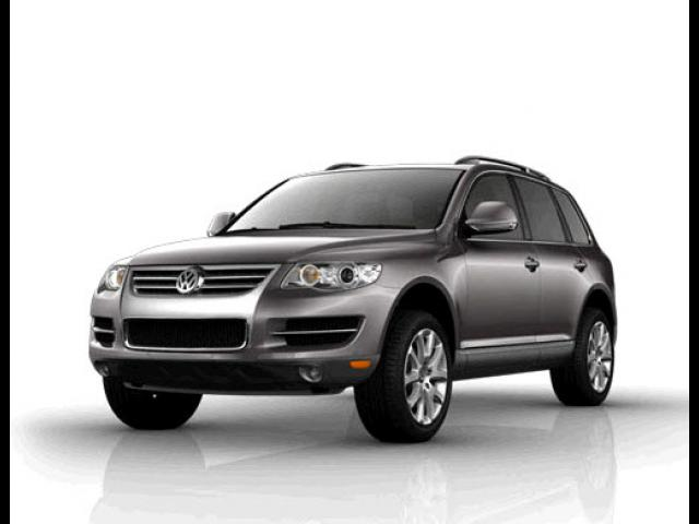 Junk 2009 Volkswagen Touareg 2 in Mount Laurel