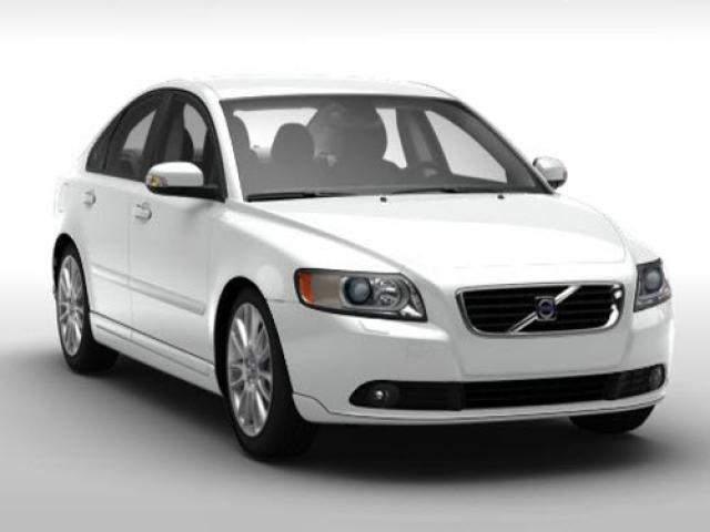Junk 2009 Volvo S40 in Tampa