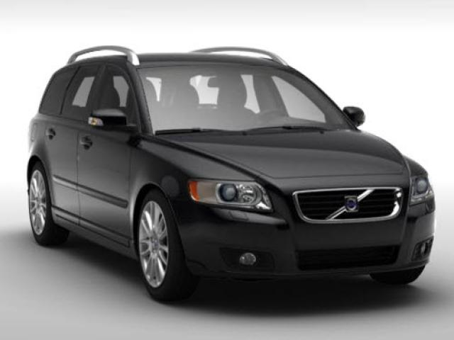 Junk 2009 Volvo V50 in Bothell