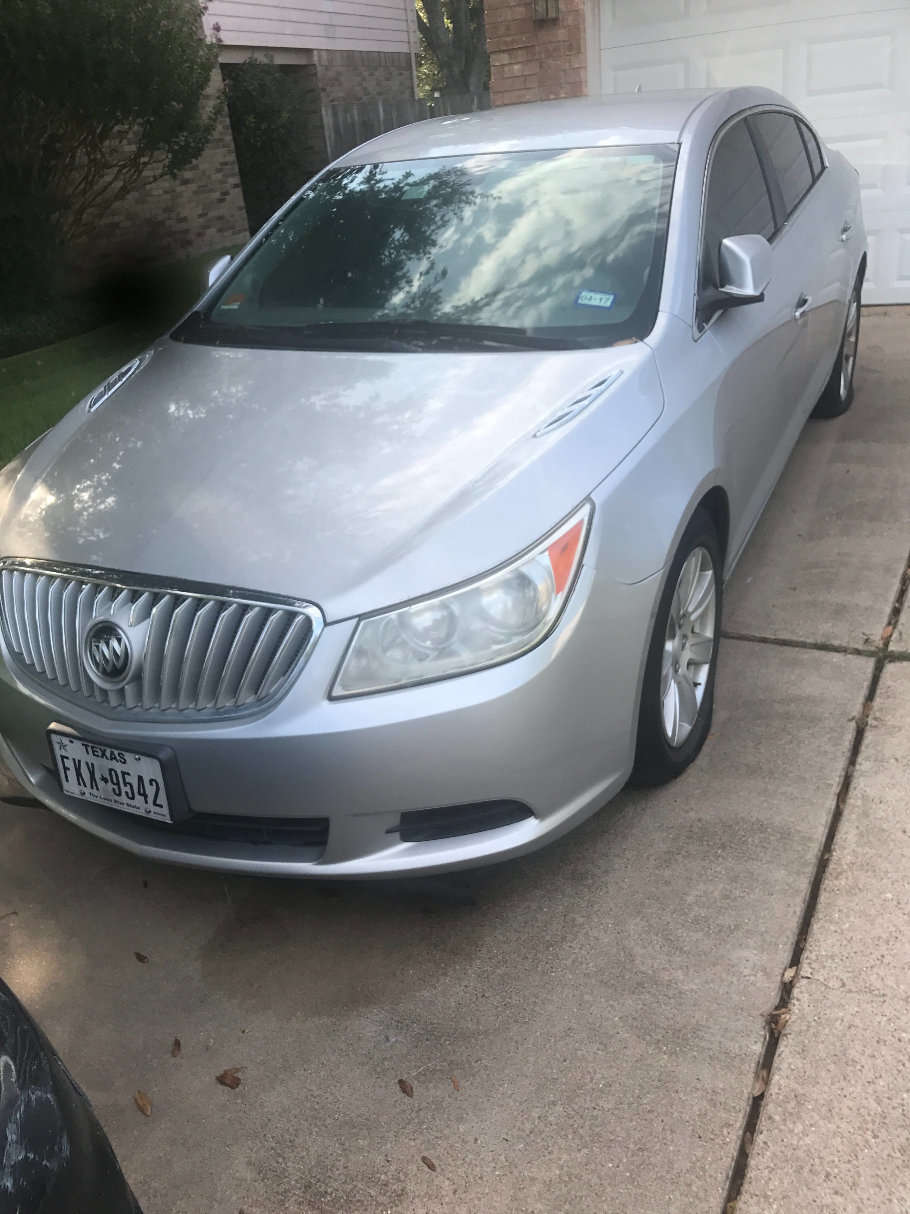 Junk 2010 Buick LaCrosse in Missouri City
