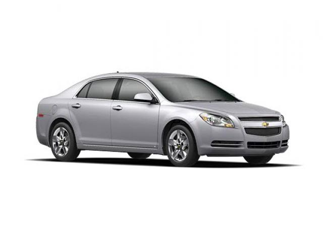 Junk 2010 Chevrolet Malibu in Fort Wayne
