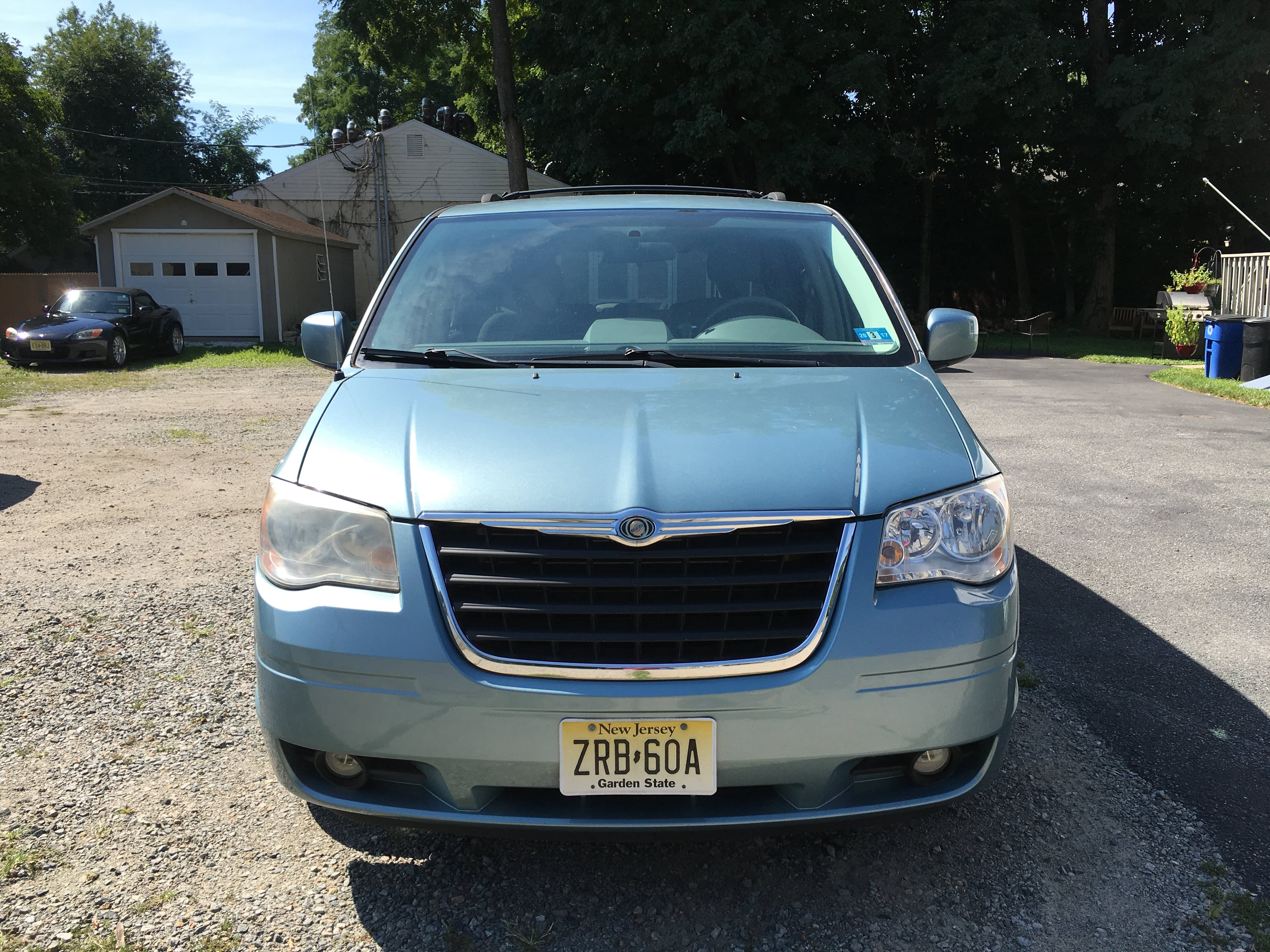 Junk 2010 Chrysler Town & Country in Ringwood