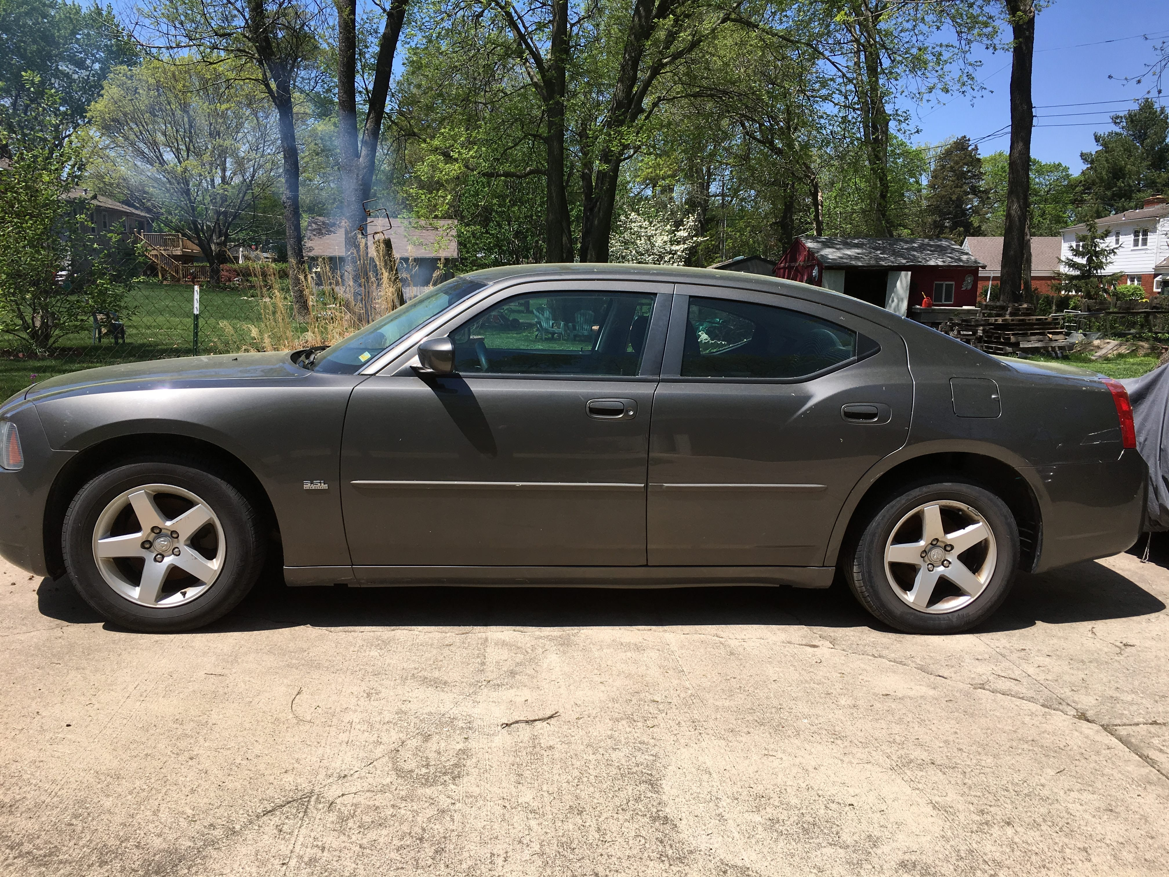 Junk 2010 Dodge Charger in Shawnee