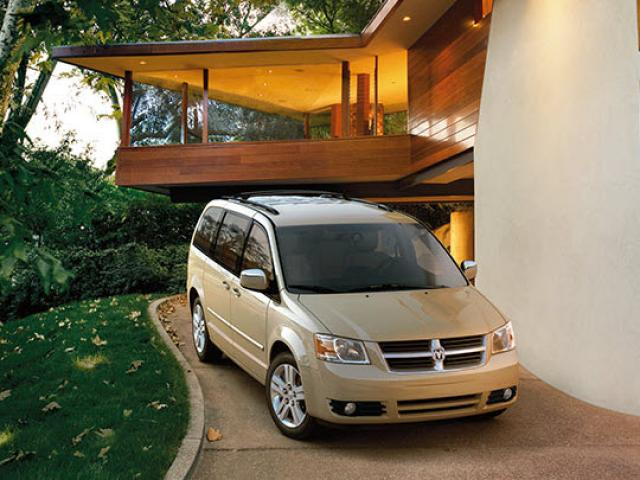Junk 2010 Dodge Grand Caravan in Tijeras