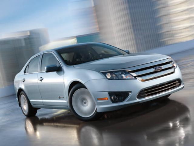 Junk 2010 Ford Fusion in Agoura Hills