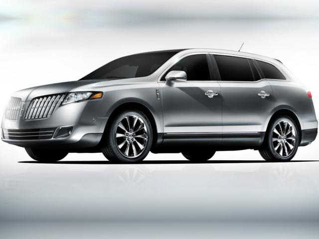 Junk 2010 Lincoln MKT in Fredonia