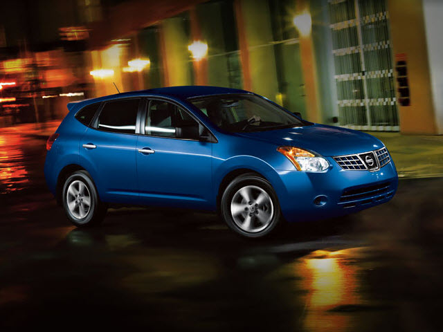 Junk 2010 Nissan Rogue in Saint Paul