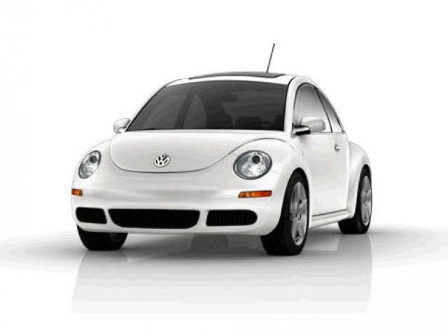 Junk 2010 Volkswagen Beetle in Kingwood