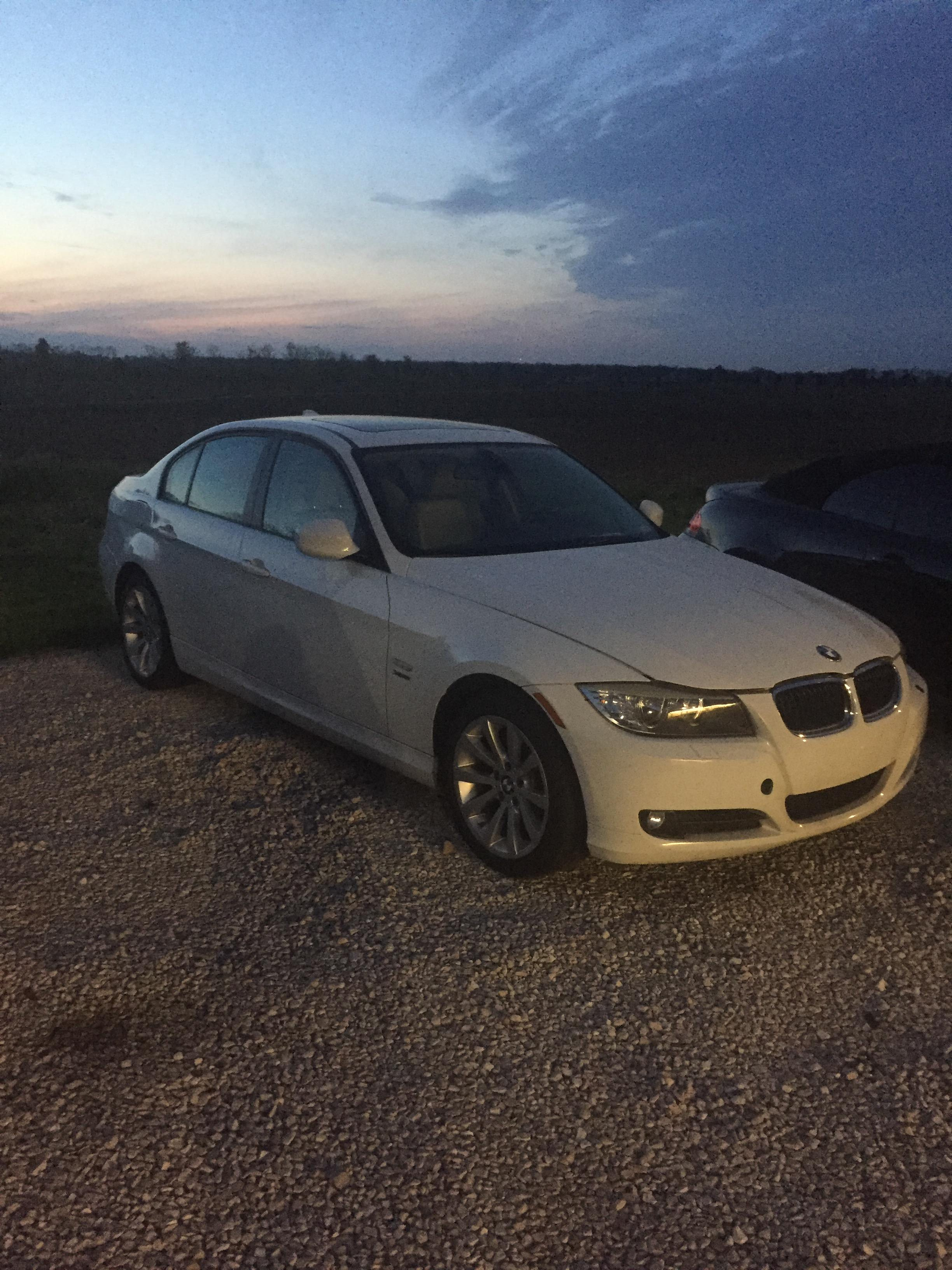 Junk 2011 BMW 328 in Greenwood