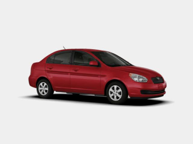 Junk 2011 Hyundai Accent in Kenilworth