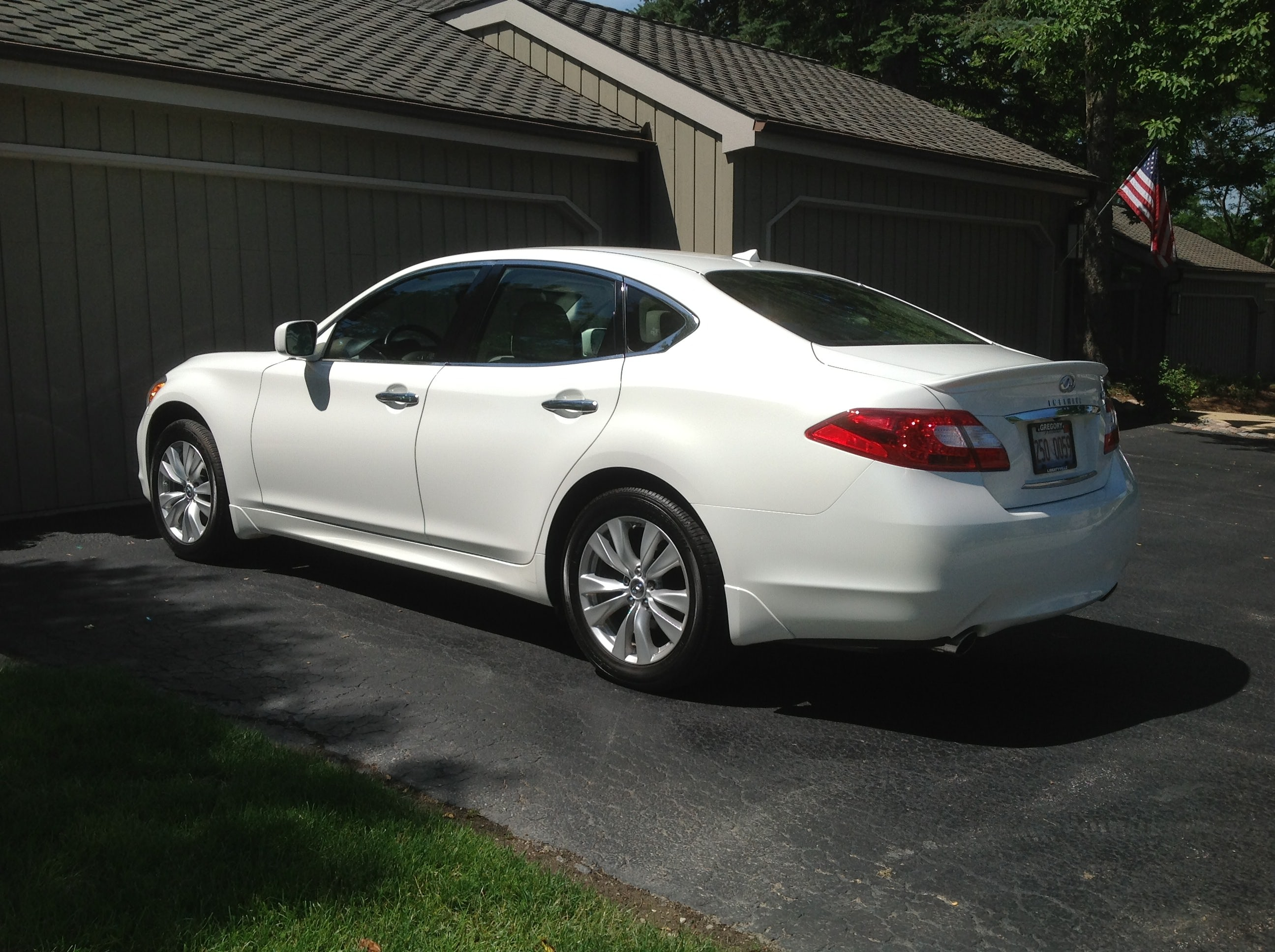 Junk 2011 Infiniti M37 in Lake Zurich