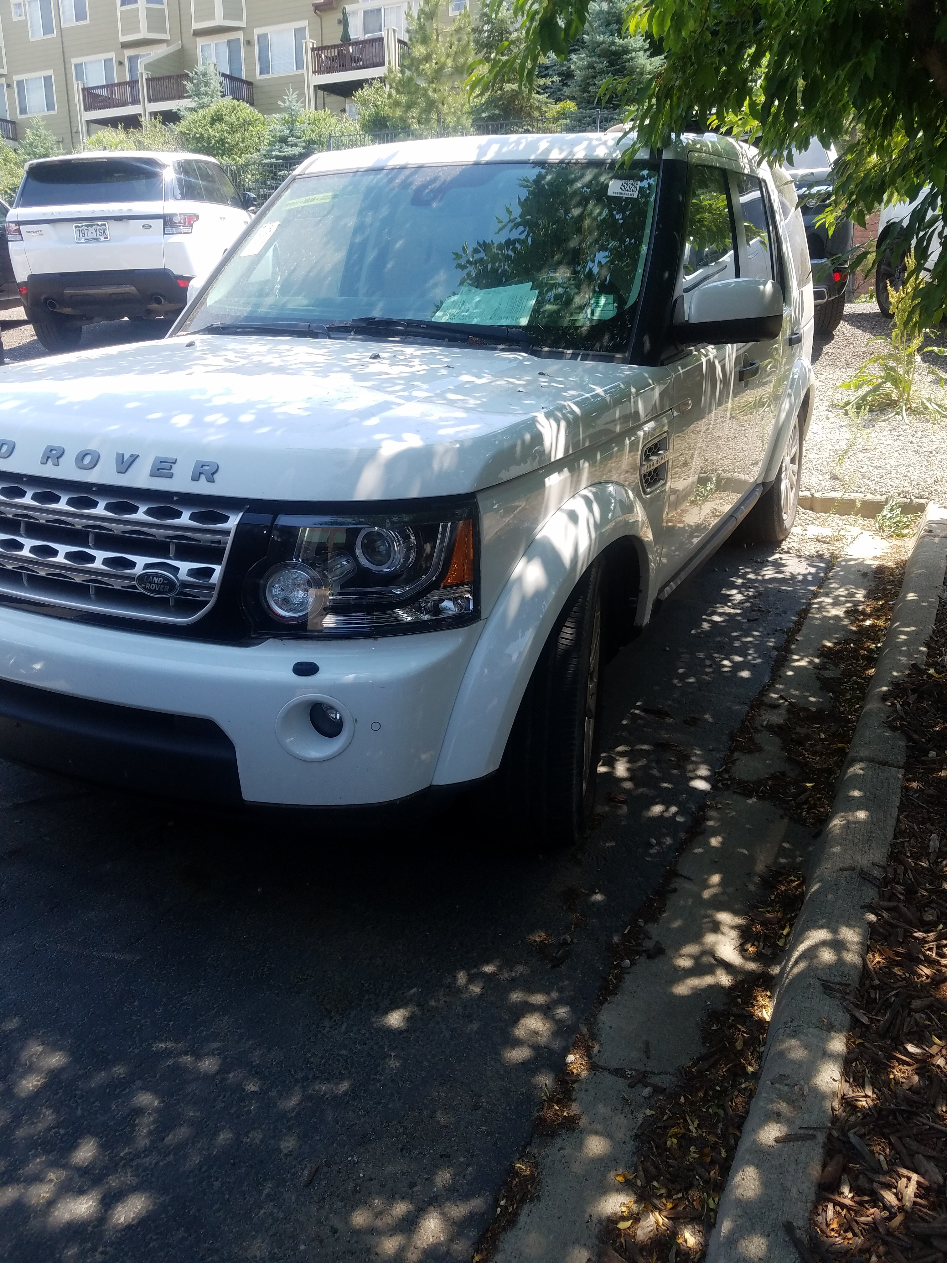 Junk 2011 Land Rover LR4 in Louisville