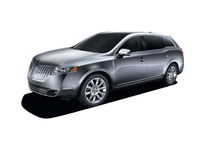 Junk 2011 Lincoln MKT in Beaumont