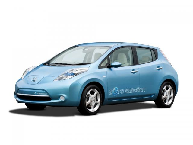 Junk 2011 Nissan Leaf in Manistee