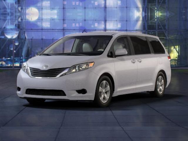 Junk 2011 Toyota Sienna in Greensboro