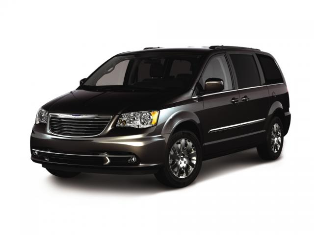 Junk 2012 Chrysler Town & Country in Chesapeake