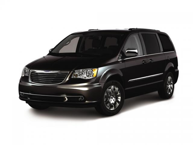 Junk 2012 Chrysler Town & Country in Ocala