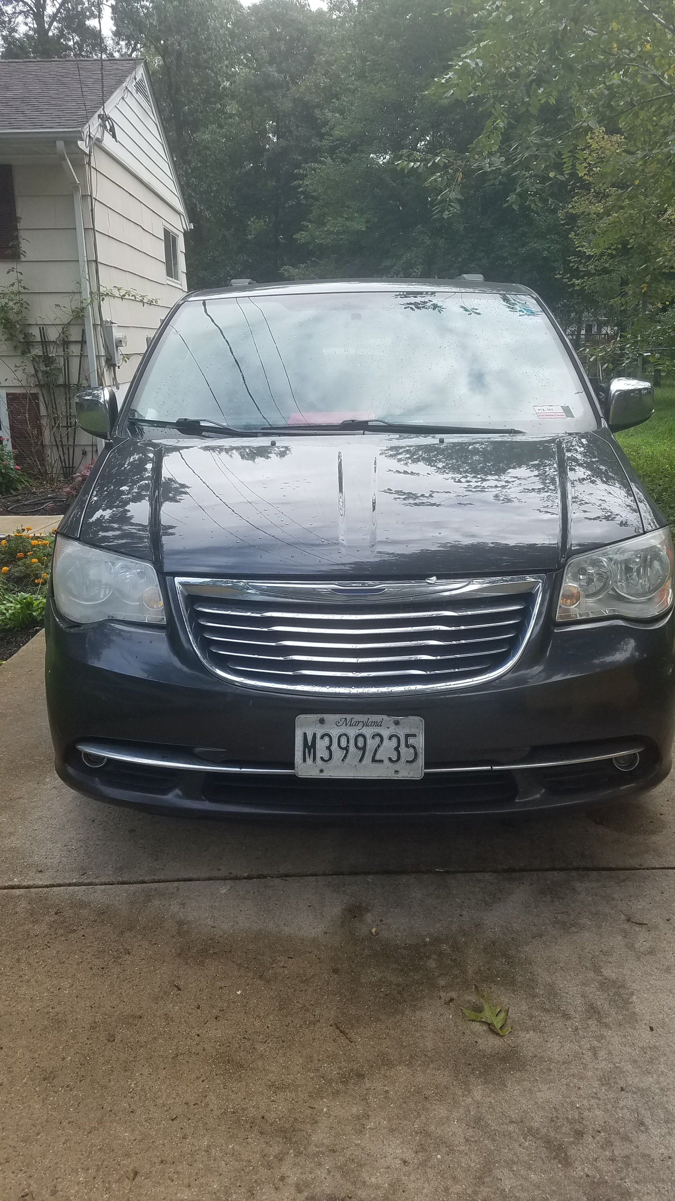 Junk 2012 Chrysler Town & Country in Severn