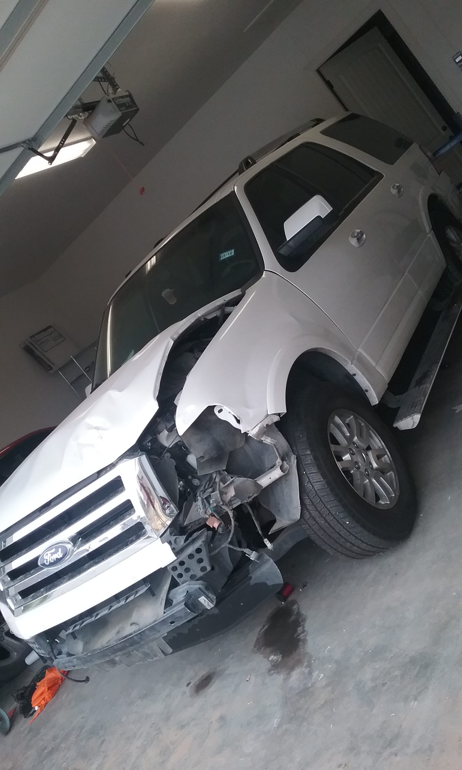 Junk 2012 Ford Expedition in Odessa