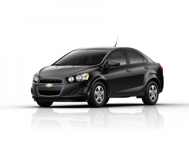 Junk 2013 Chevrolet Sonic in Los Angeles