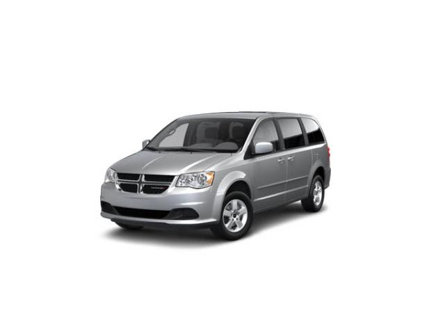 Junk 2013 Dodge Grand Caravan in Lynwood