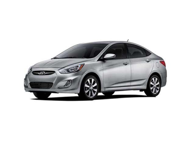 Junk 2013 Hyundai Accent in Louisville