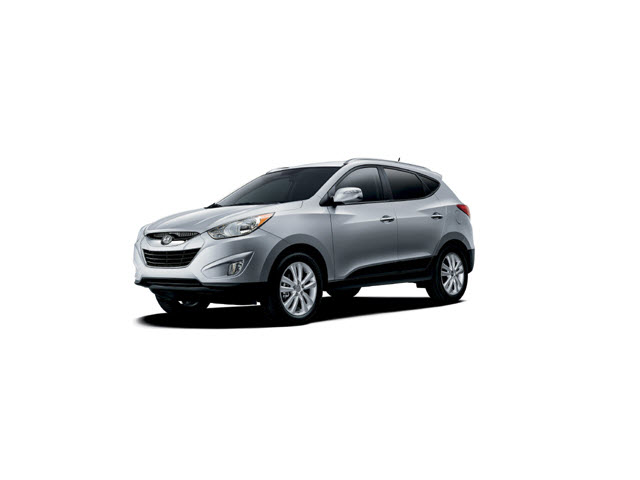 Junk 2013 Hyundai Tucson in Saint Paul