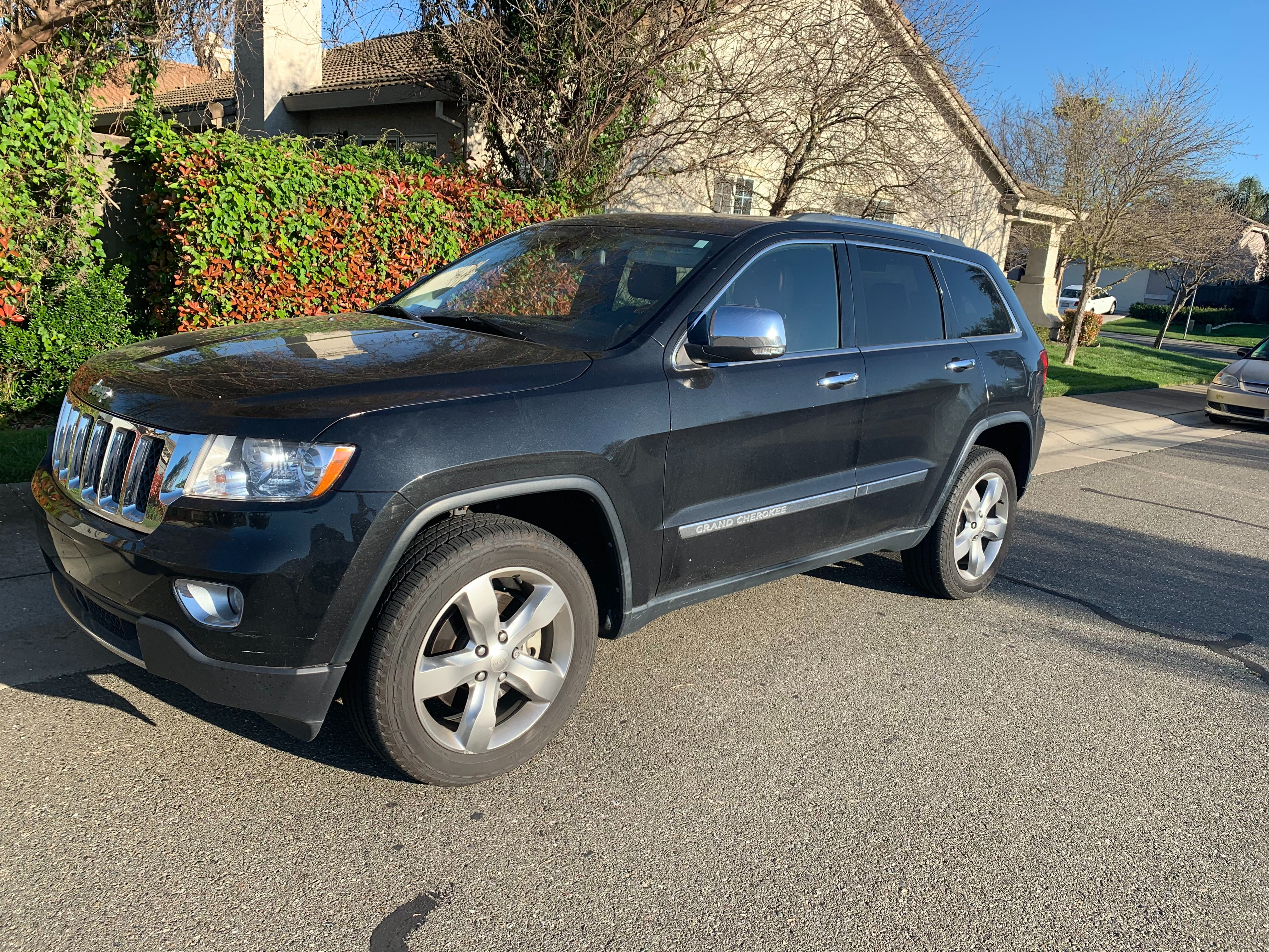 Junk 2013 Jeep Grand Cherokee in Sacramento