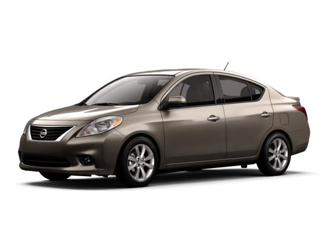 Junk 2014 Nissan Versa in Powder Springs
