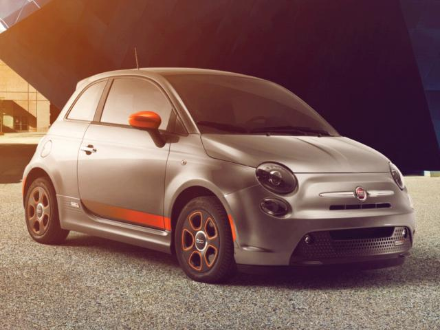 Junk 2015 Fiat 500 in Fountain Valley